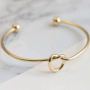 Jewelry - {Hampton} simple dainty love knot bracelet